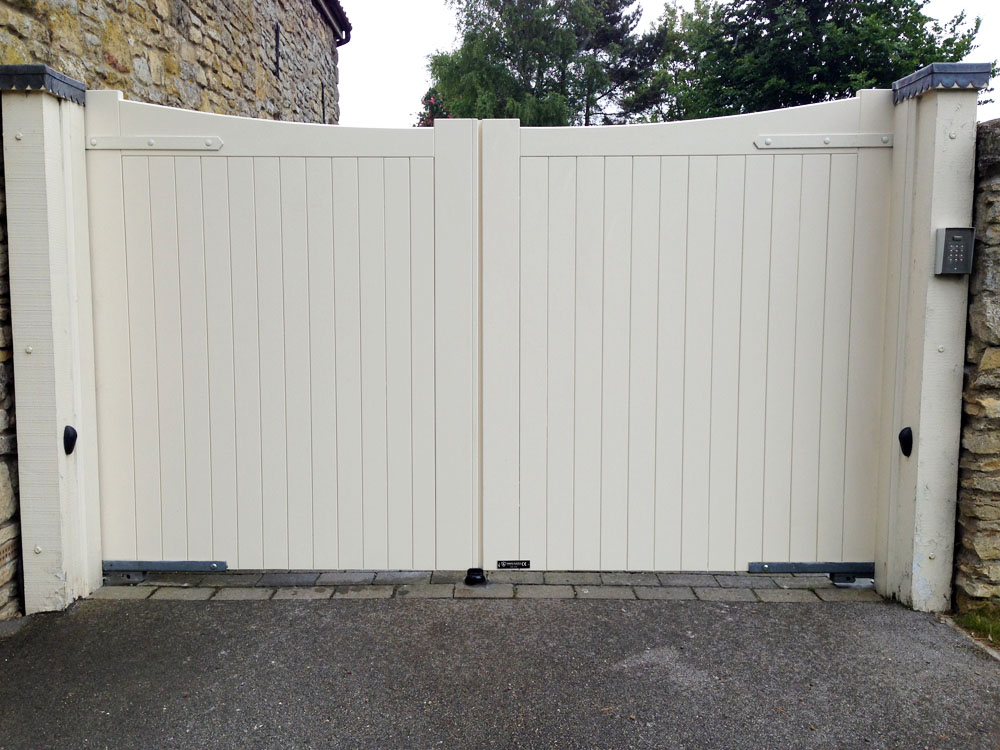 Cream Painted Timber Gate Replacement Installed In