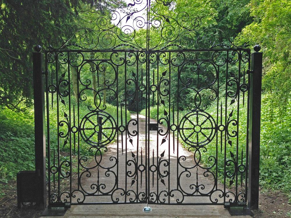 steel-gates-warter3