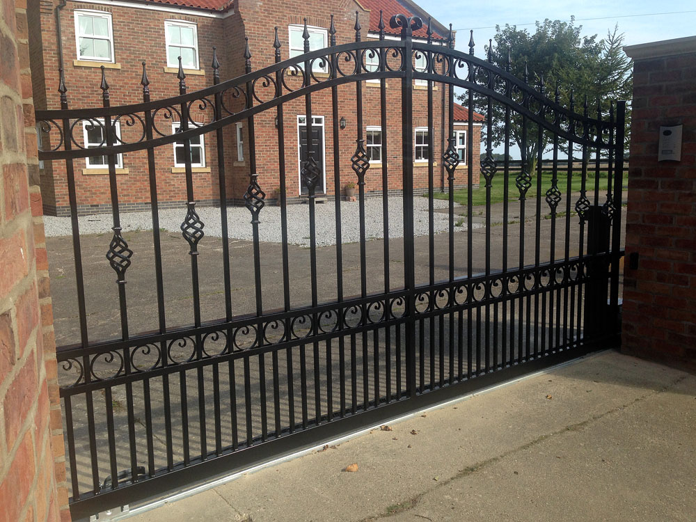 wrought-iron-sliding-gate-black2