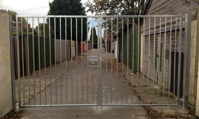 Gate scheme hull