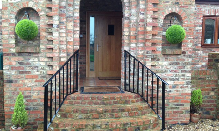 bespoke entrance handrail