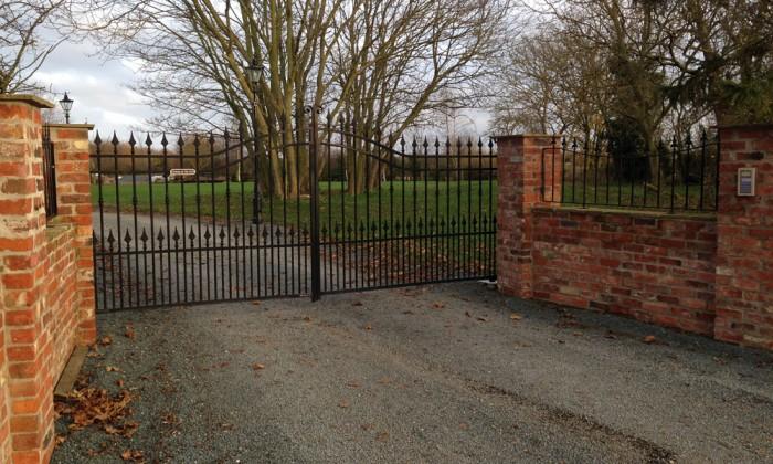 wrought iron gates leconfield