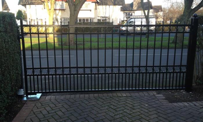 straight top steel gate