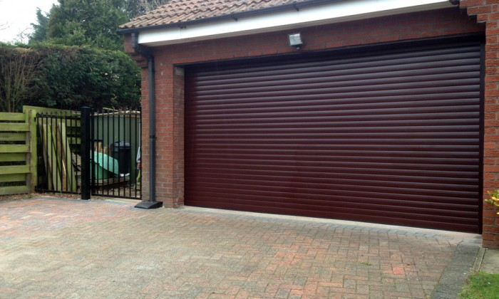 rosewood roller garage door in hull