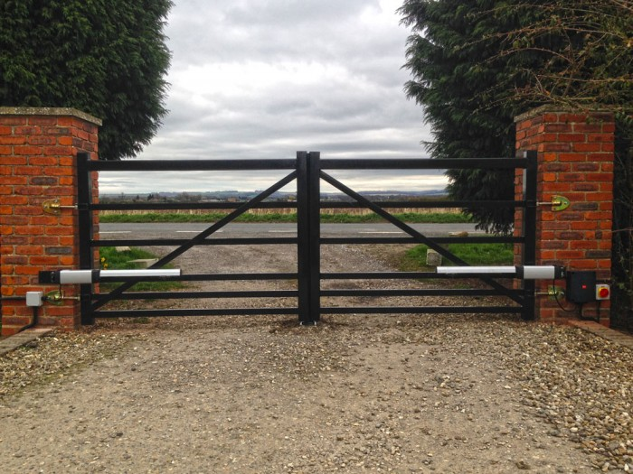 Farm style gate manufactured in steel