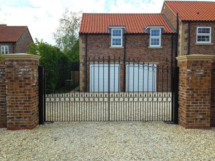 wrought-iron-gates-hayton-yorkshire2