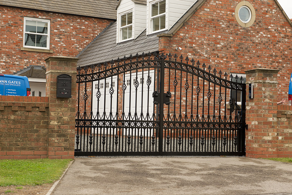 wrought-iron-gates-hull